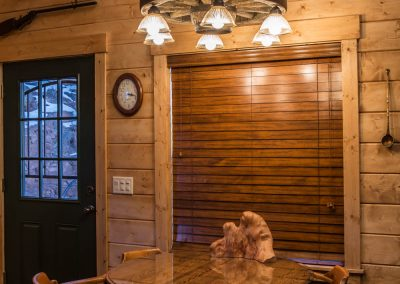 cabin-remodel-dining-area-florissant-co