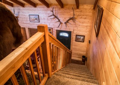 cabin-remodel-stairway-entry-florissant-co