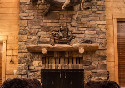 cabin-remodel-stone-fireplace-mantle-florissant-co