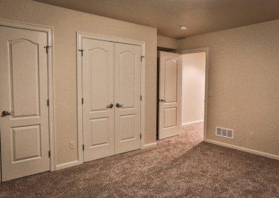 conifer-house-model-bedroom-closet-woodland-park-co
